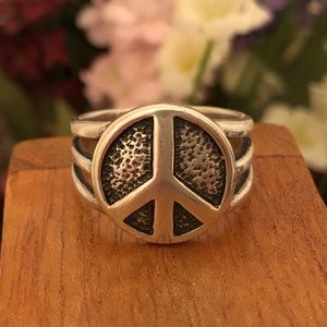 Silpada .925 Sterling Silver Peace Ring. Size 8.
